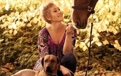 Kinaya – Ridgeback und Pferd